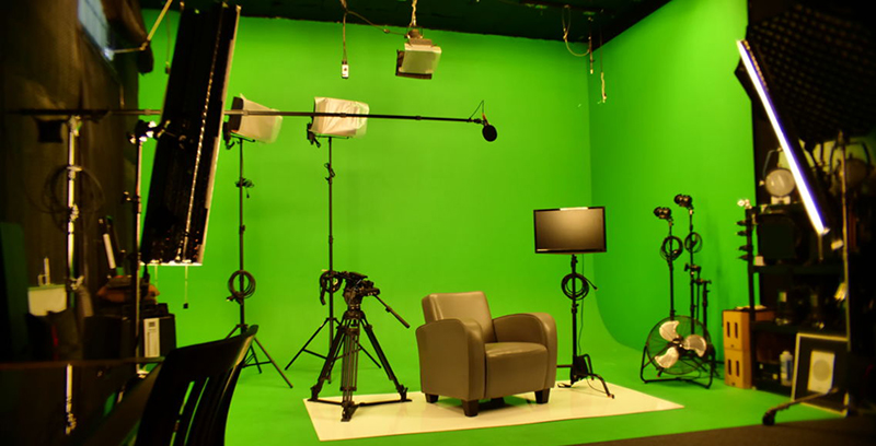 green screen with mobile 6 1